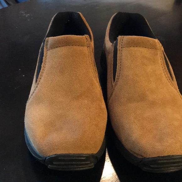 Nwot Mens 9d Magellan Outdoor Shoe